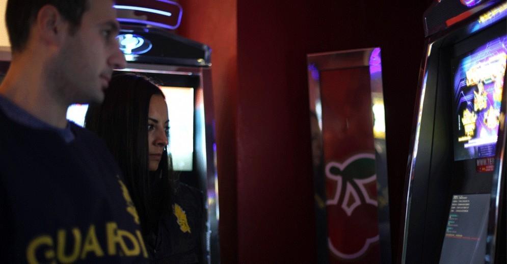 Torino e la piaga slot machine illegali: multe salatissime, sequestri ed evasione da record