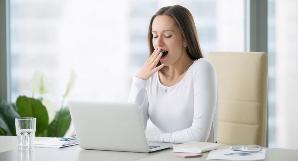 Le donne che fanno fatica a svegliarsi la mattina hanno un rischio più alto di cancro al seno