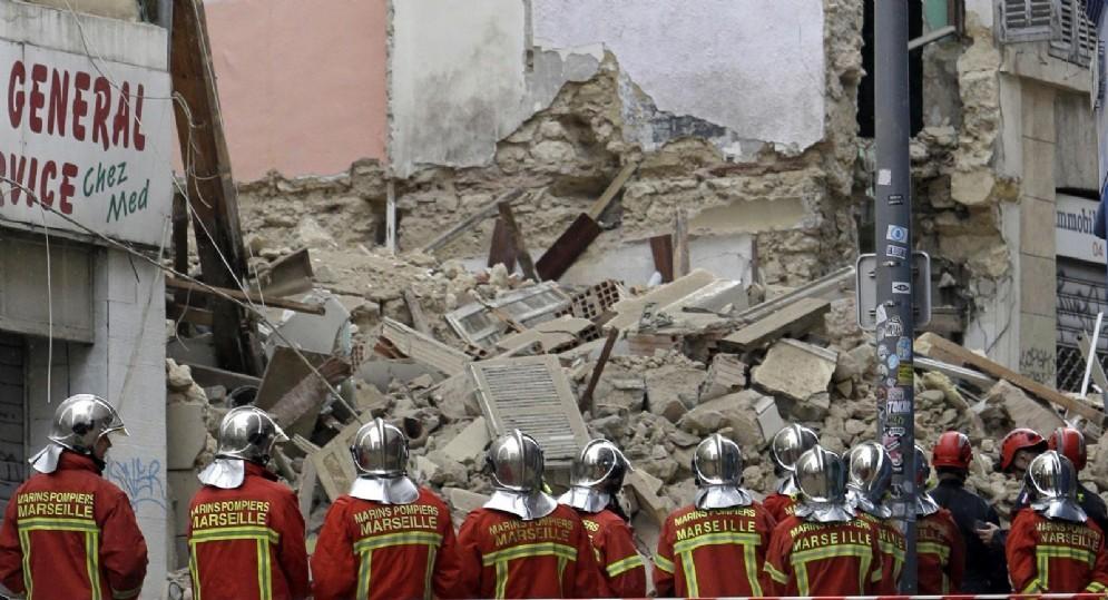 Il crollo dei due edifici a Marsiglia