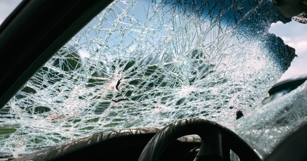 Auto incidentata - Immagine d'archivio