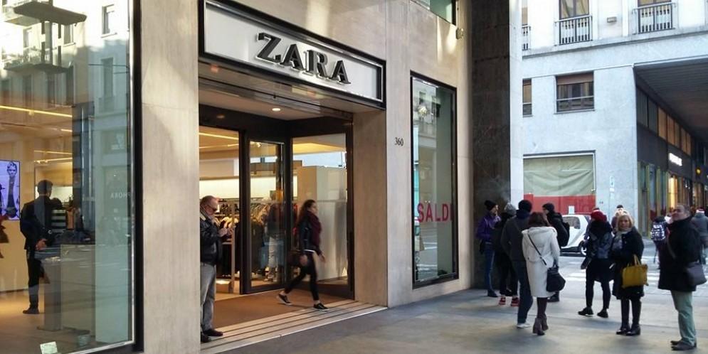 Mistero da Zara in via Roma: trovato un proiettile nel camerino