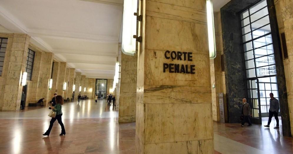 Un corridoio di Palazzo di Giustizia deserto a seguito dell'astensione dalle attività giudiziarie