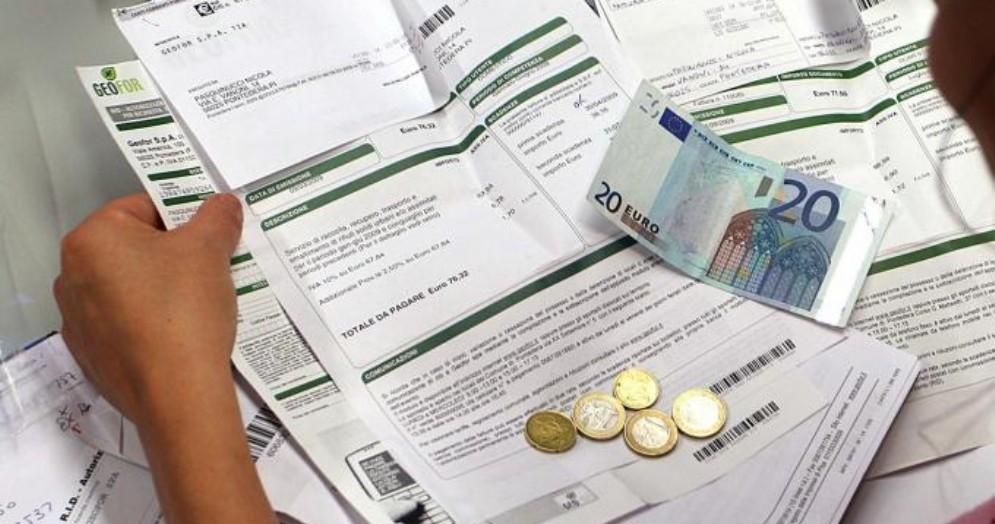 Gli italiani pagano 600 euro di tasse in più della media Ue