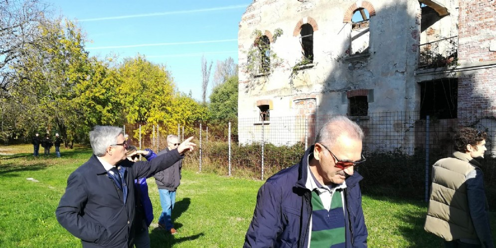 Cascina Mauroner, Fontanini: «Situazione inaccettabile, a breve una soluzione definitiva»