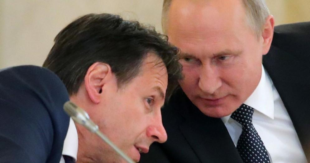 Il presidente russo Vladimir Putin con il premier italiano Giuseppe Conte