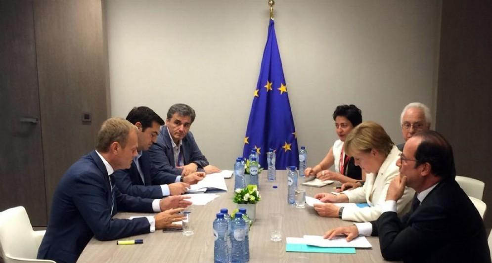 L'incontro tra Tsipras, Merkel, Hollande e Tusk a Bruxelles