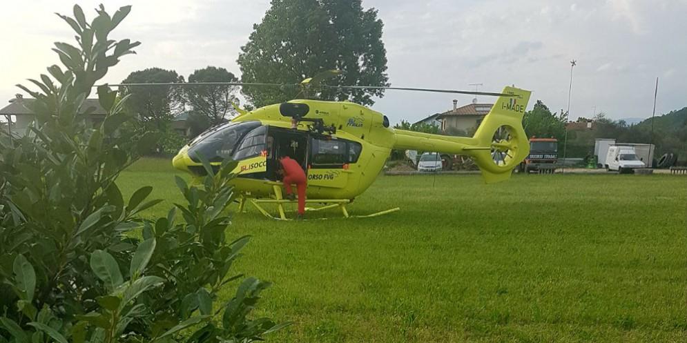 Grave incidente sull'A4: un ferito portato in ospedale con l'elicottero