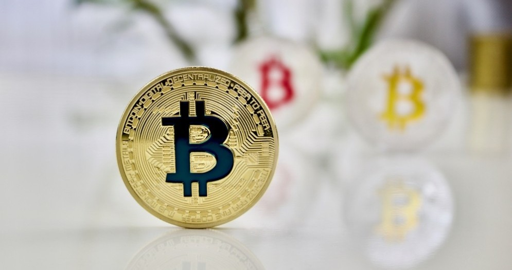 Black Friday, comprare e vendere Bitcoin costa la metà