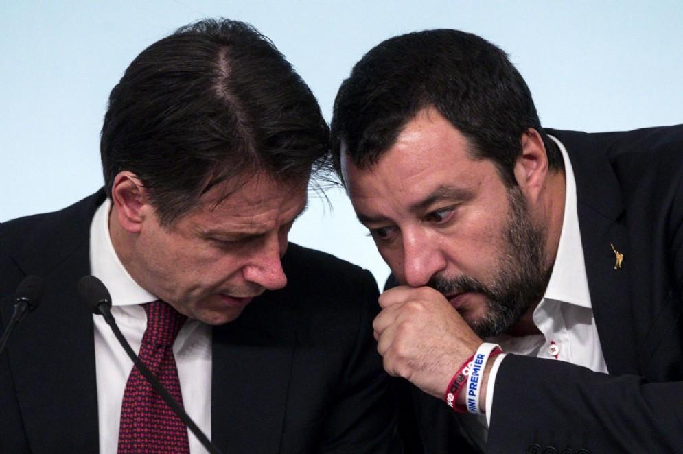 Il premier Giuseppe Conte con il vicepremier e ministro dell'Interno Matteo Salvini
