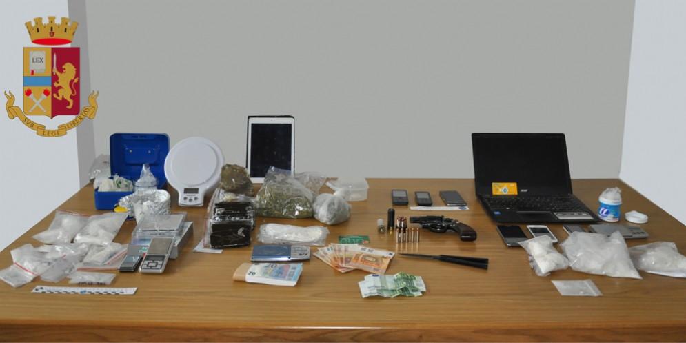 Operazione Welfen: 5 arresti e 100 mila euro di droga sequestrata