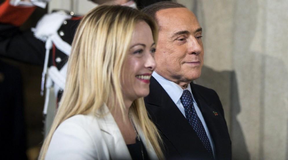 La presidente di Fratelli d'Italia, Giorgia Meloni, con l'omologo di Forza Italia, Silvio Berlusconi