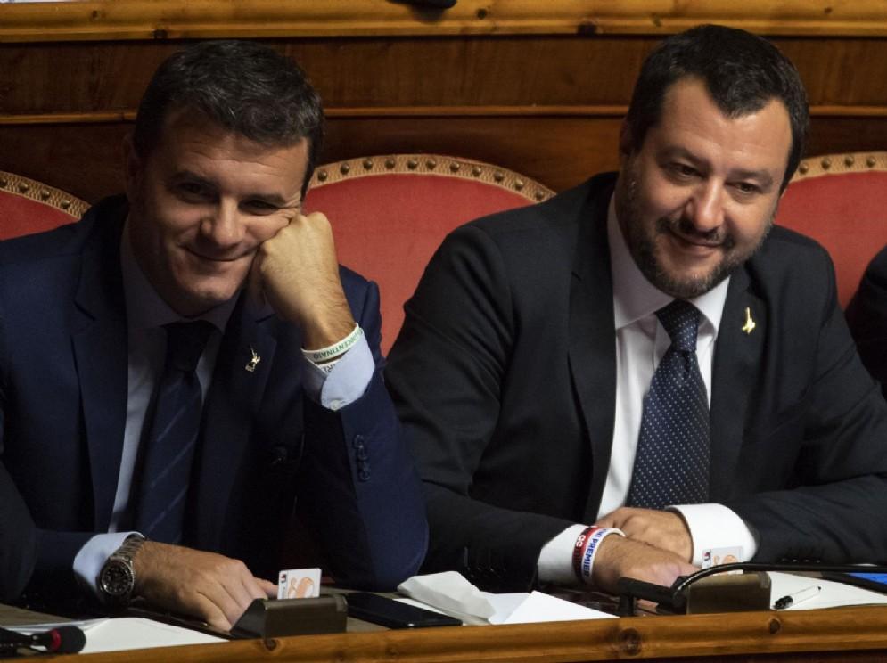 Gian Marco Centinaio e Matteo Salvini al Senato