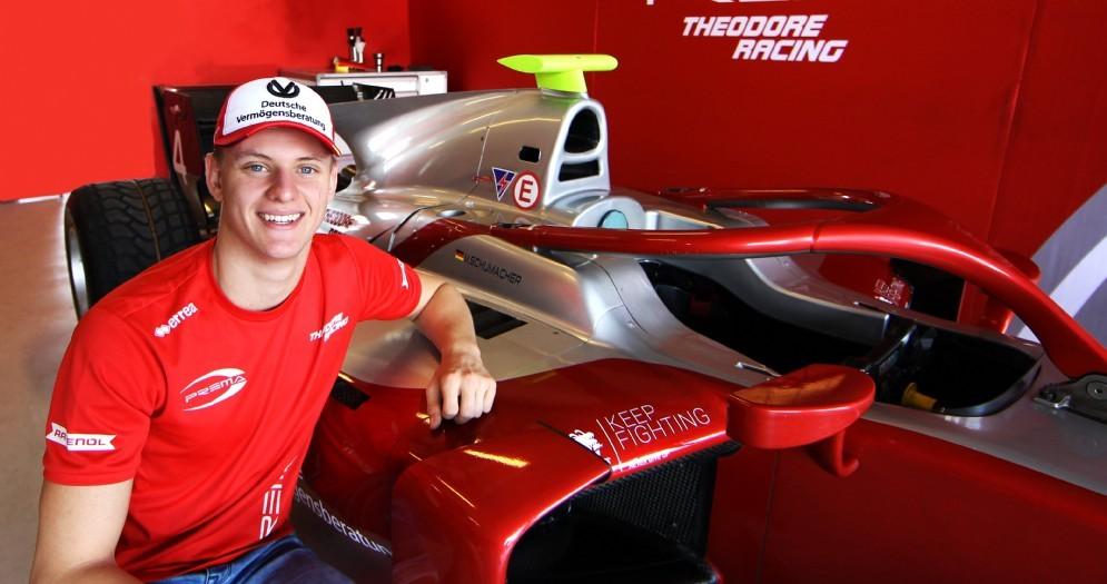 Mick Schumacher con la monoposto del team Prema