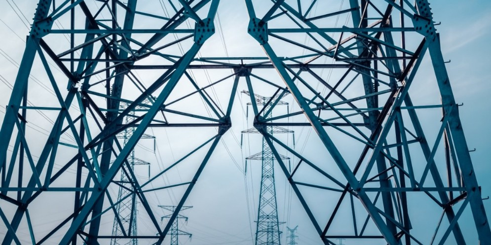Problemi alla linea elettrica, intervento dei Vigili del Fuoco