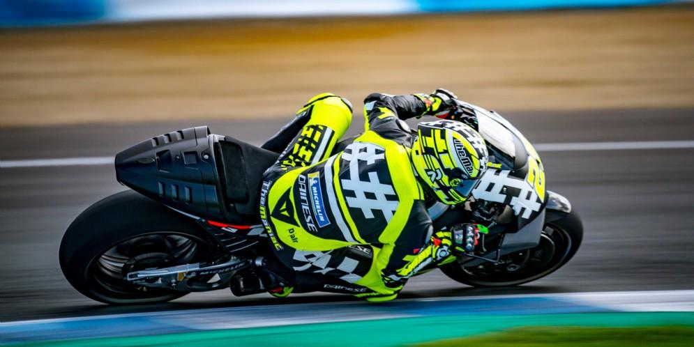 Andrea Iannone in azione su Aprilia nei test di Jerez
