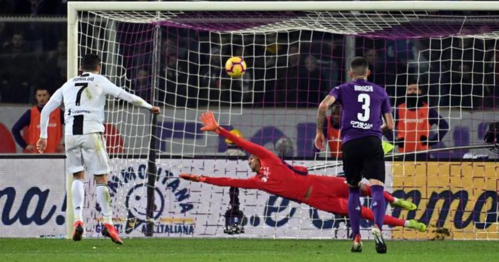 Il rigore del 3-0 alla Fiorentina di Cristiano Ronaldo
