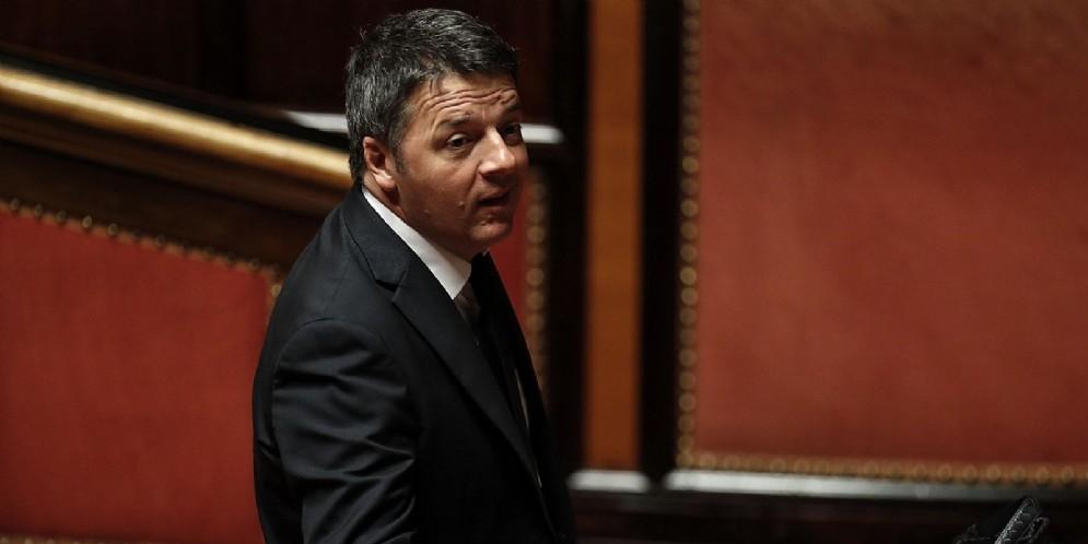 Il senatore del Partito democratico Matteo Renzi durante una seduta dell'aula del Senato