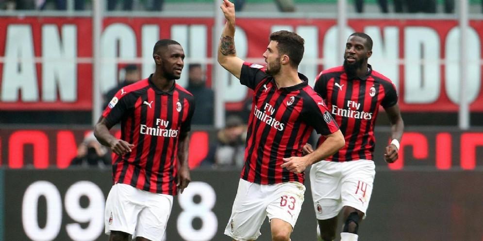 Cutrone esulta dopo il gol del pareggio segnato contro il Parma