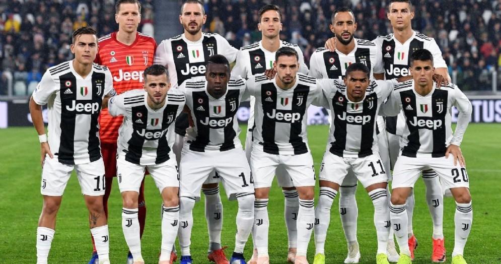 Una formazione della Juventus, capolista della serie A e campione d'Italia nelle ultime 7 stagioni
