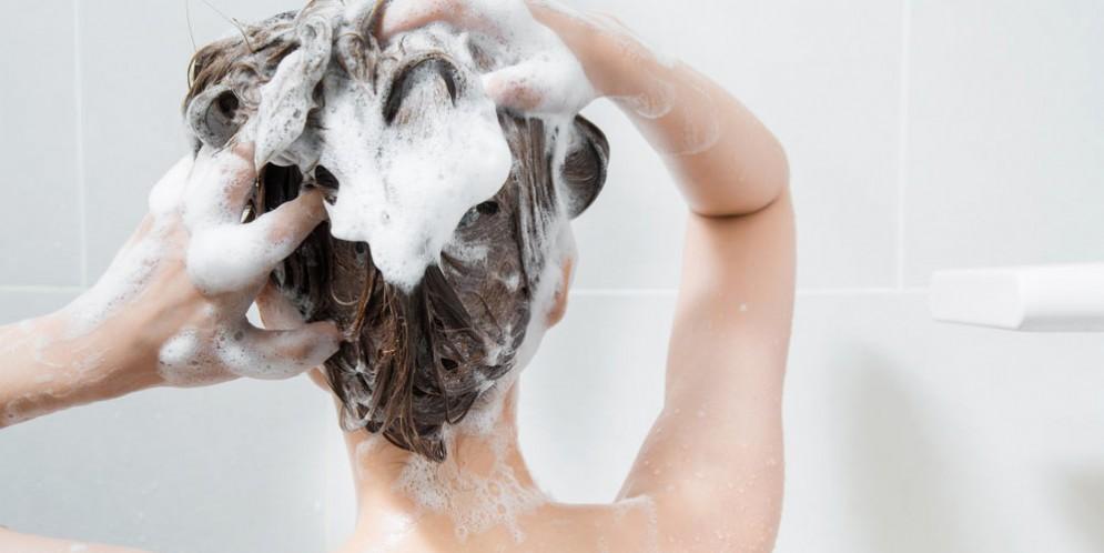 Shampoo e cosmetici alla base della pubertà precoce?