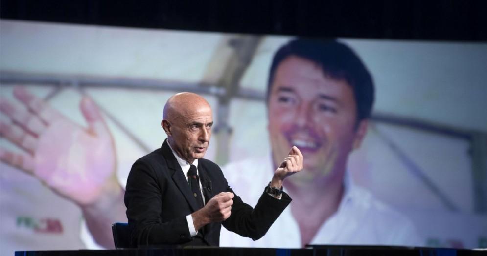 """L'ex ministro dell'interno Marco Minniti nel corso della trasmissione diretta dalla giornalista Lucia Annunziata """"In mezz'ora, in più"""" su Rai 3"""