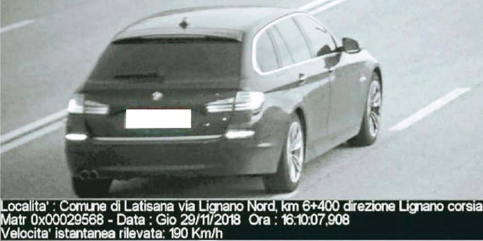 Prove di autovelox a Latisana: auto sfreccia a 220 km/h