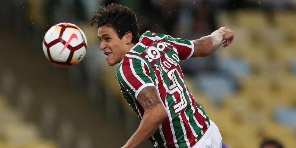 Un'incornata imperiosa dell'attaccante brasiliano PedroGuilherme