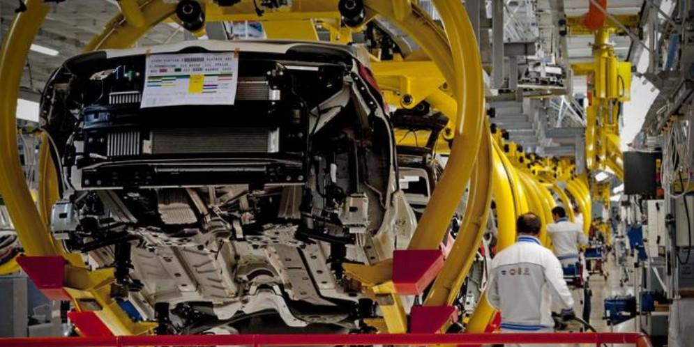Dal 2007 perso un quinto della produzione industriale