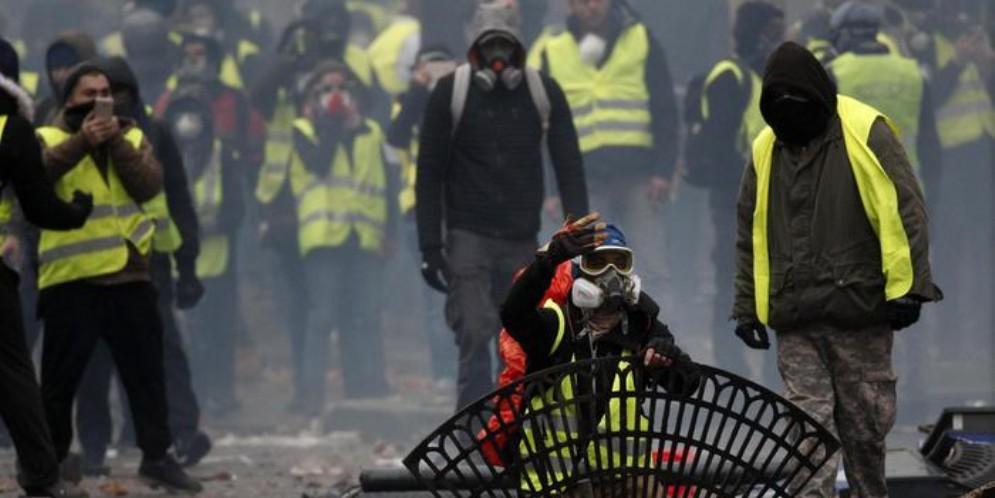 Cremlino: «Calunnie» coinvolgimento russo nelle proteste di Parigi