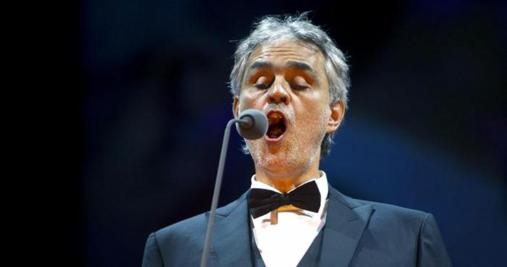 Bocelli, Natale a New York con il coro di Haiti