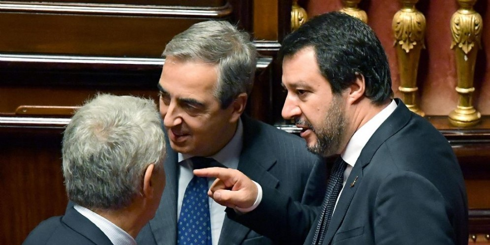 Il vicepremier e ministro dell'Interno Matteo Salvini con il deputato di Forza Italia, Maurizio Gasparri