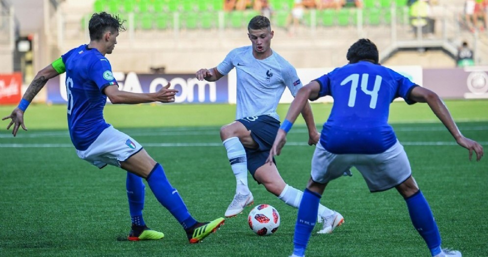 Raoul Bellanova (di spalle con il numero 14) in una recente uscita con la Nazionale Under 20