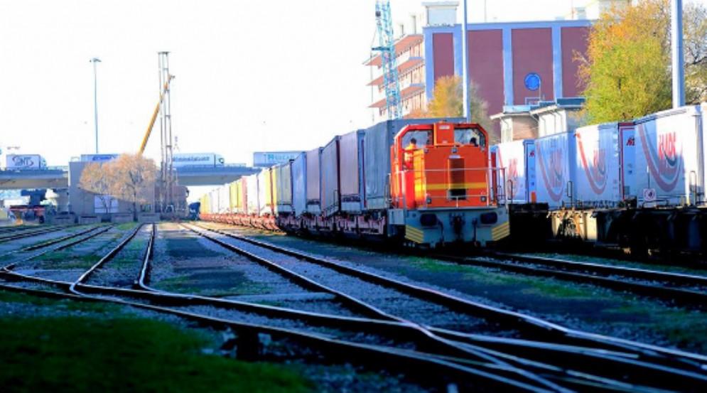 Trasporti: Pizzimenti, riattivato raccordo ferroviario Lisert