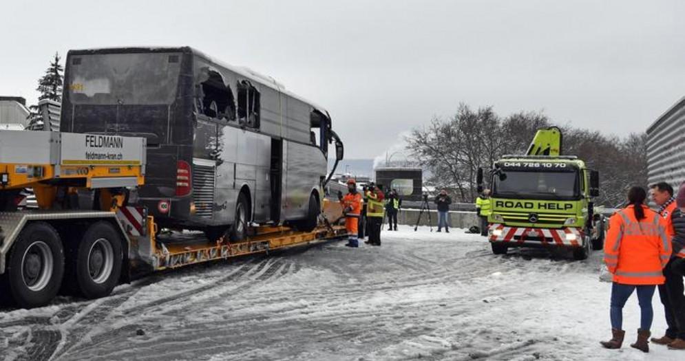 Flixbus, incidente a Zurigo: morta una donna, 43 feriti