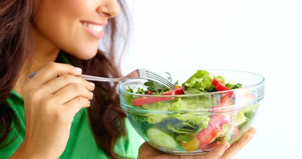 Verdura a foglie verdi per prevenire il fegato grasso