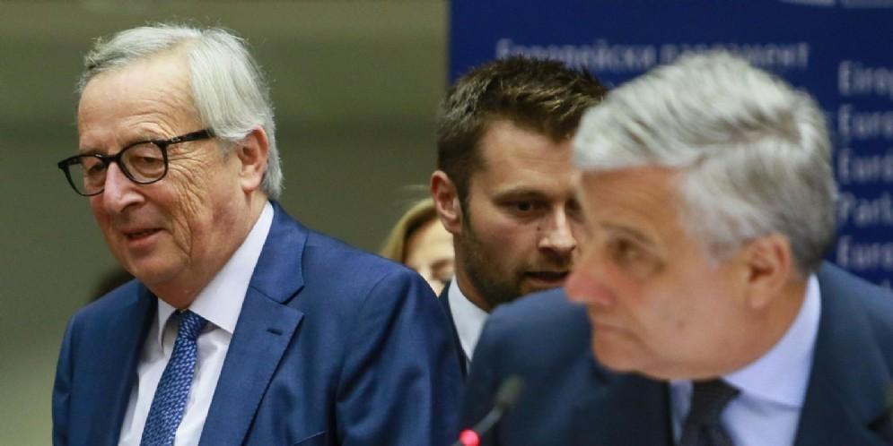 I presidenti della Commissione Ue Jean-Claude Juncker e del Parlamento Ue Antonio Tajani