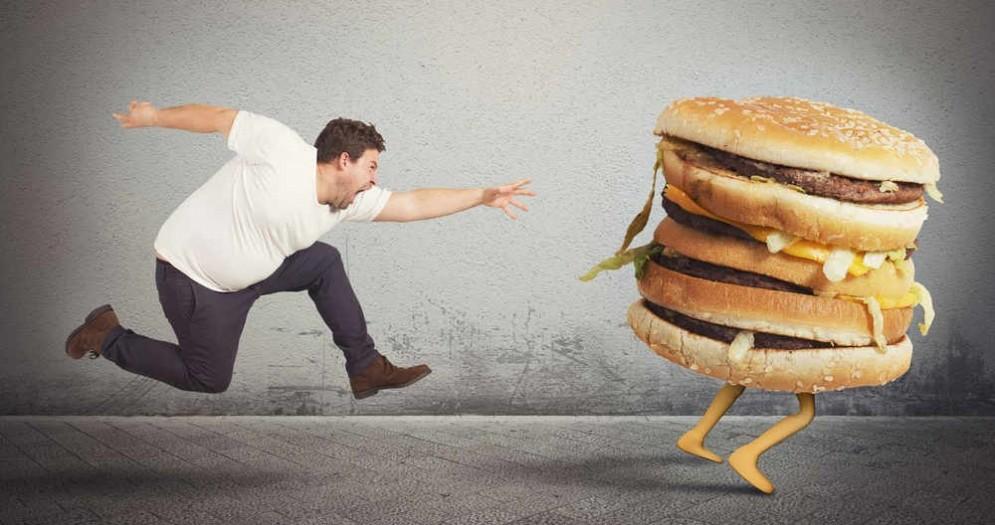 Cibo e calorie, se le conosci mangi meno