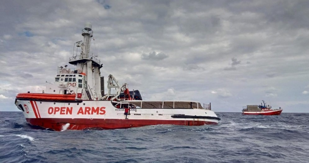 La nave dell'ong Open Arms in mare