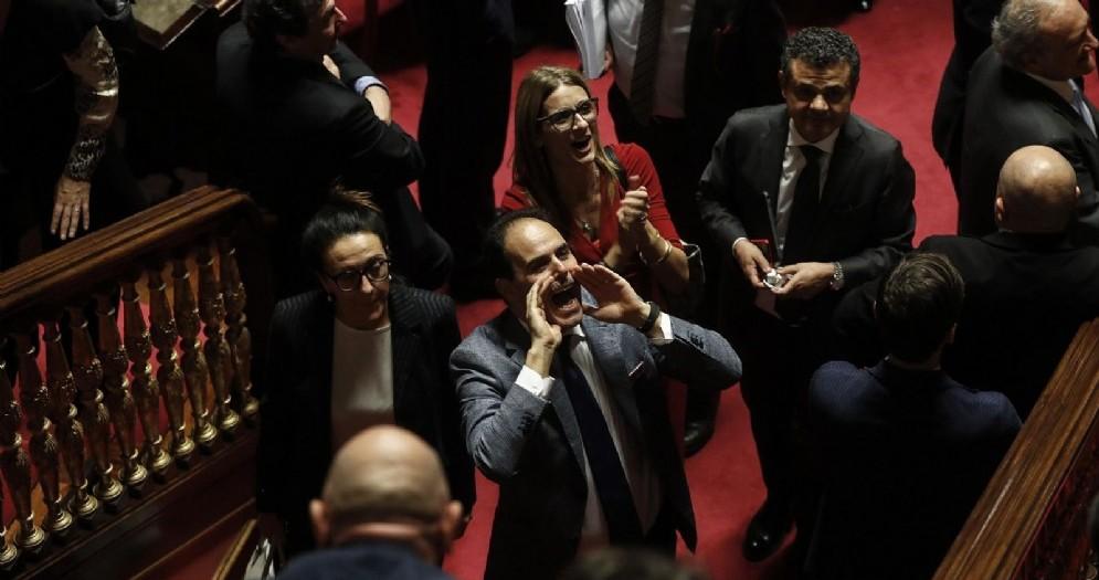 Senatori del Pd durante la discussione in Senato della manovra di bilancio