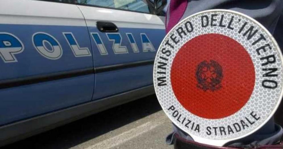 Mezzi e uomini della Polizia Stradale