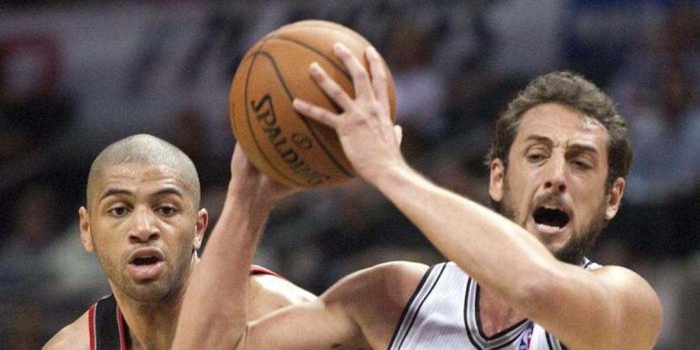 Marco Belinelli con la maglia degli Spurs