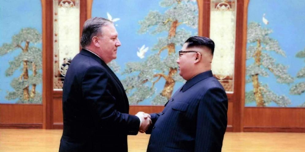 Mike Pompeo, ancora nelle vesti di capo della Cia, in Corea del Nord per discutere il vertice fra Trump e Kim Jong-un
