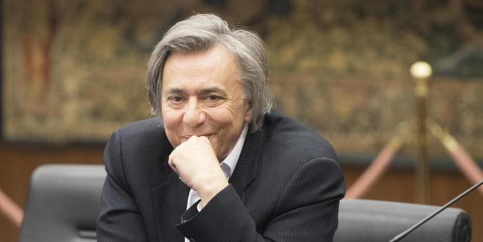 Il direttore di Rai 2 Carlo Freccero durante una conferenza stampa a viale Mazzini