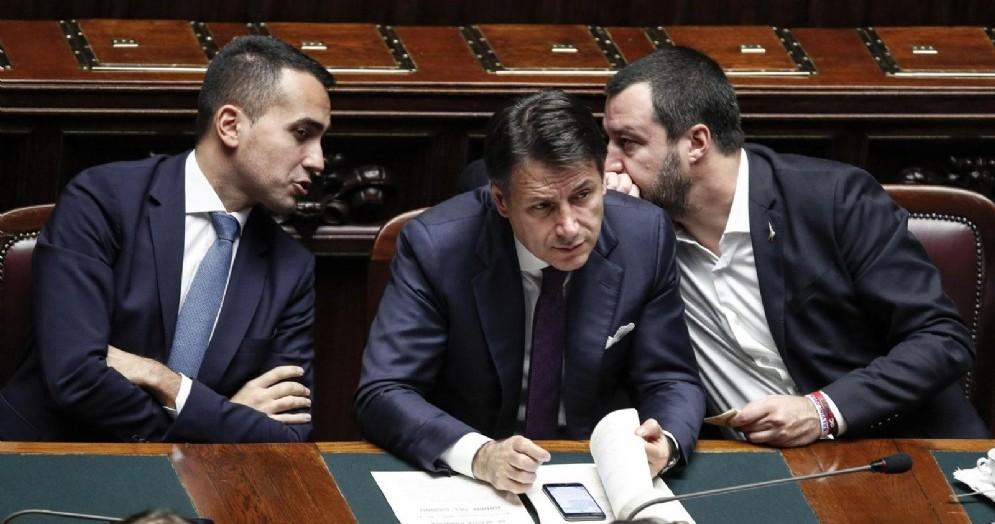 I due vicepremier Matteo Salvini e Luigi Di Maio con il premier Giuseppe Conte
