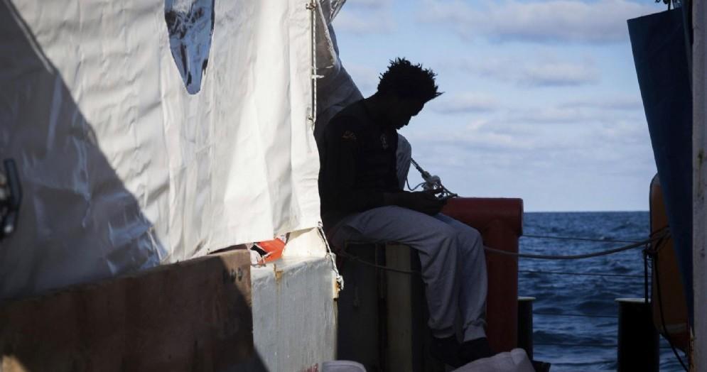 Migrante sulla nave tedesca Sea Watch