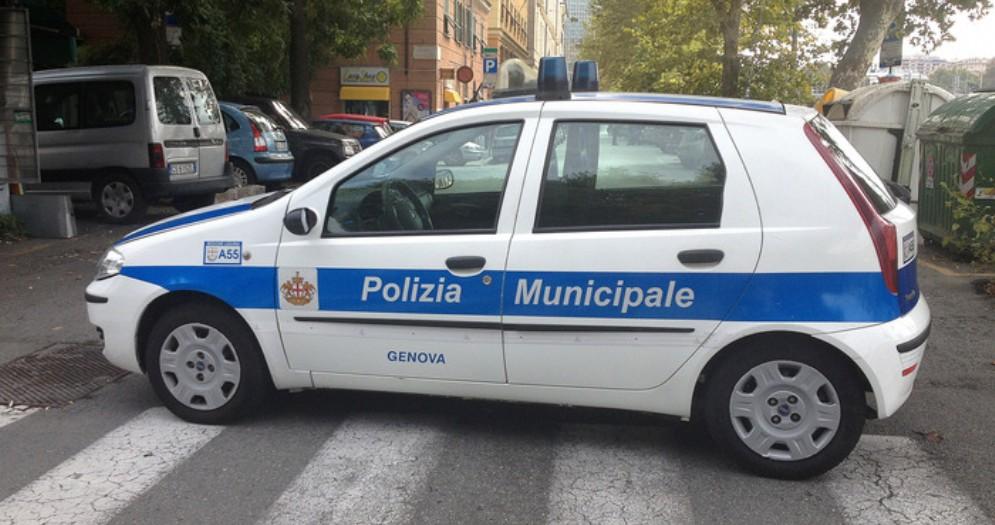 Auto della Polizia Locale genovese