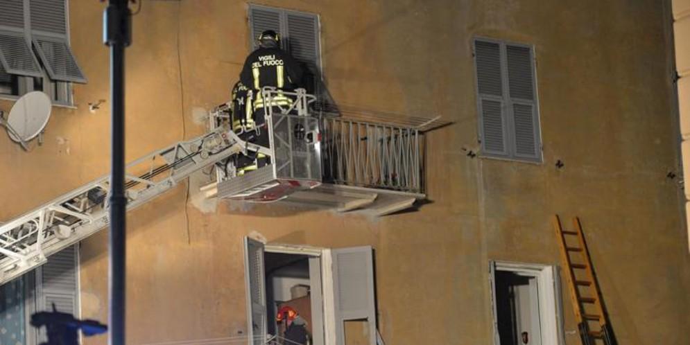 Mestre, esplosione in un appartamento per fuga di gas: due feriti