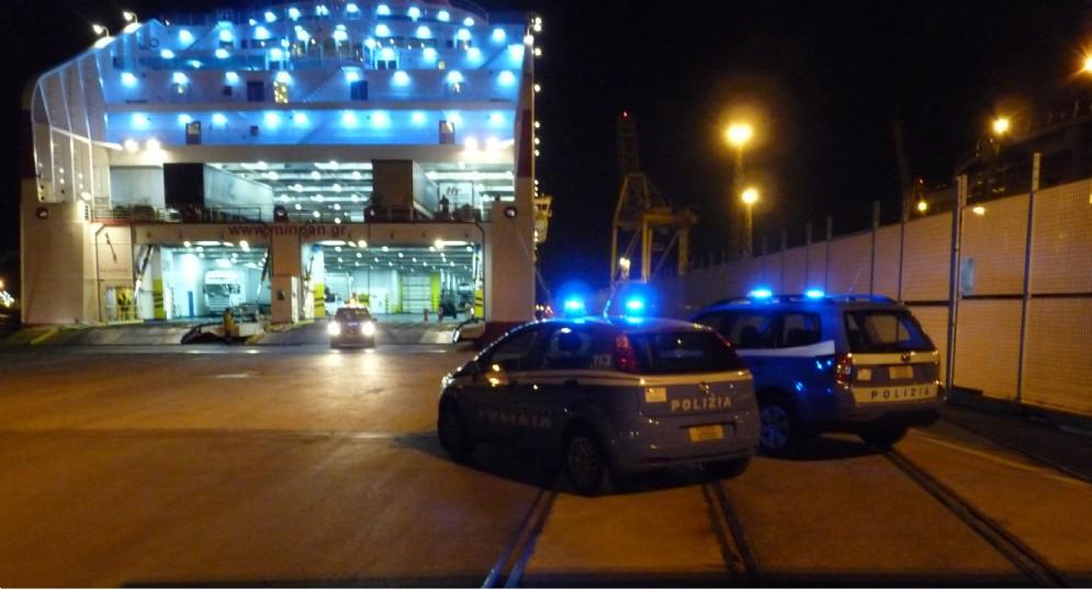 Trieste, il sindacato di polizia lancia l'allarme: «Triplicati i migranti irregolari»