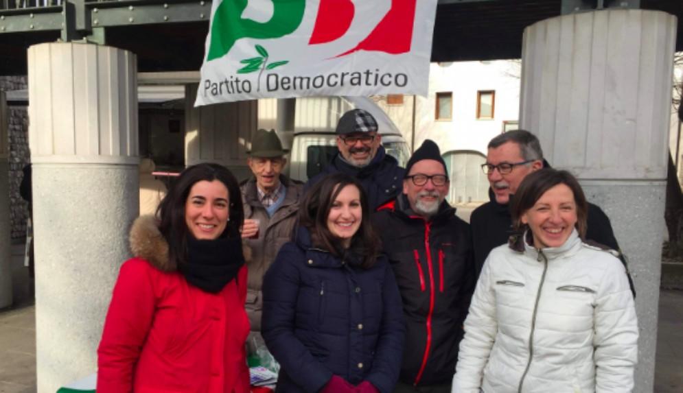 Il Pd è sceso in piazza contro 'la manovra delle tasse e delle bugie'