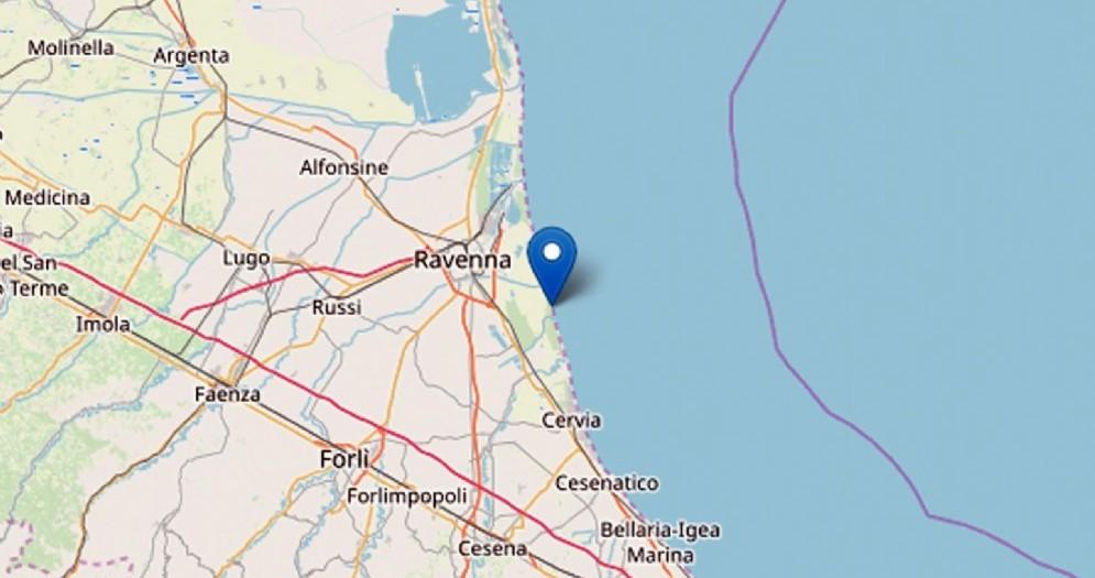 È stata di magnitudo 4.6, con epicentro nella provincia di Ravenna la scossa di terremoto che, a mezzanotte e 3 minuti, è stata nettamente avvertita in tutto il nord est, in particolare in Emilia Romagna, nel Veneto e in Friuli